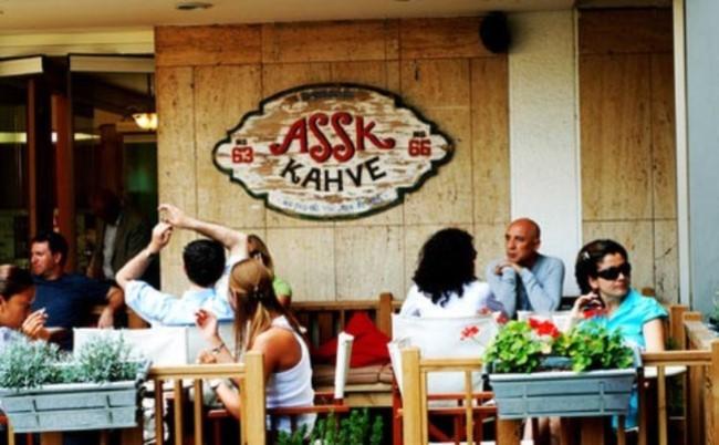 İstanbul'da Boğaz'da Kahvaltı Yapabileceğiniz Yerler aşşk kahve Kuruçeşme