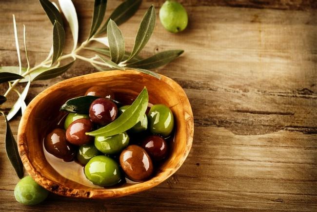 Zeytin-Ramazan-Ayı-Ramazan-Lezzetler-İftar-Sofrası