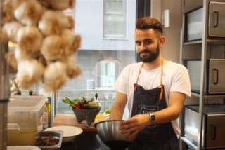 Vegan Mutfağı Atelier Raw'da Taptaze Şef Sinan Bakkaloğlu