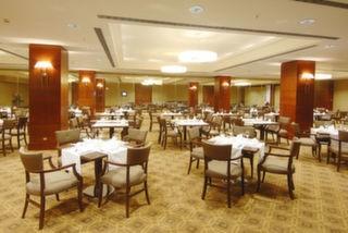 Titanic Business Hotel, Kartal