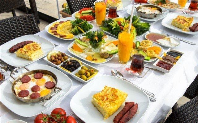 Sapanca Green Blue Restaurant'ta Serpme Kahvaltı Keyfi