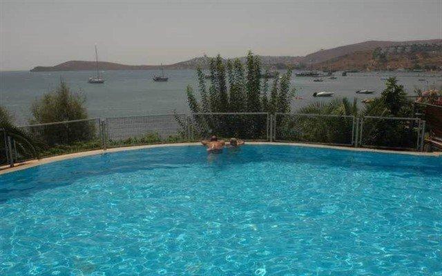 Denize Sıfır Herşey Dahil Konaklamalı Bodrum Tatil Paketi! (Ulaşım Dahil)