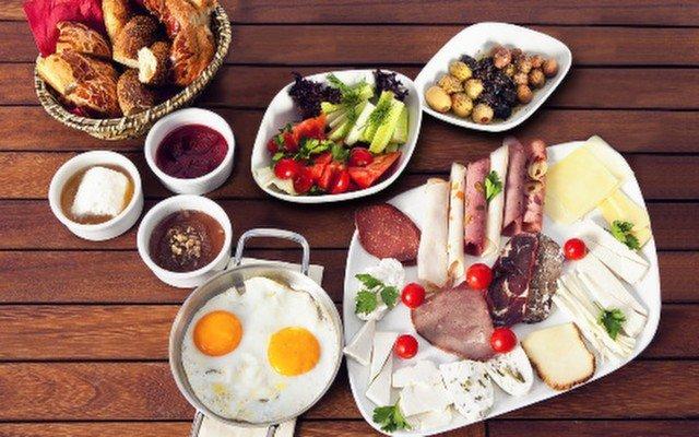Antakya Mutfağı'nda Taze Lezzetlerle Dolu Yöresel Kahvaltı Keyfi