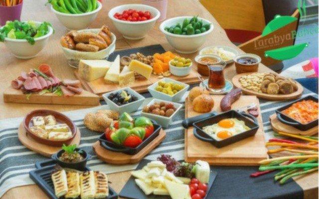 Zengin Lezzetlerle Donatılmış Serpme Kahvaltı Keyfi