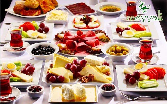 Doğa İçinde Yeşili Kucaklayan Benzersiz Mekan Meyyali Restaurant'ta Kahvaltı Keyfi!