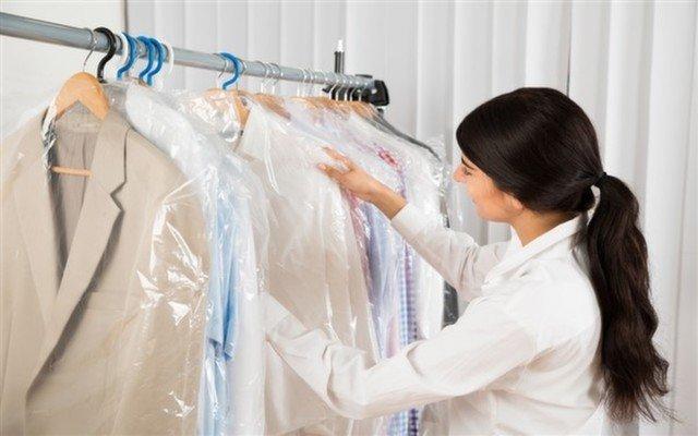 Bostancı Dry Clean'de 5 Parça veya 10 Parça Kuru Temizleme Hizmeti