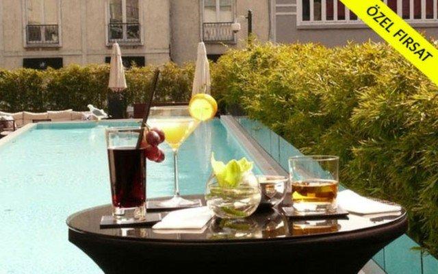 Park Hyatt İstanbul Maçka Palas'ın Kaliteli ve Konforlu Ambiyansında Sıcak Havayı Serinleten Havuz Kullanımı Paketi